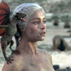 """Вижте Emilia Clarke (Daenerys Targaryen) от """"Игра на тронове"""" още по секси!"""