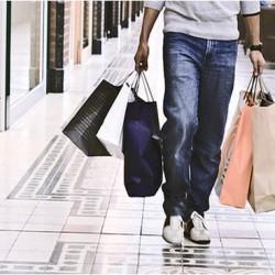 Китаец не издържа и скочи от етаж в мол по време на коледно пазаруване