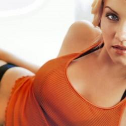 Съседка за секс Elisha Cuthbert