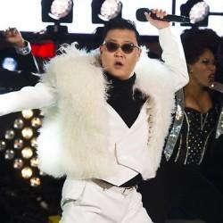 """Новото видео на сензацията PSY – """"Gentlemen"""""""