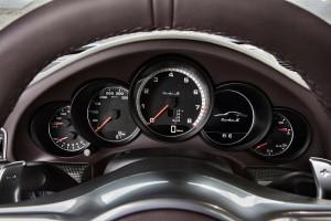porsche-991-911-turbo-s-12_0