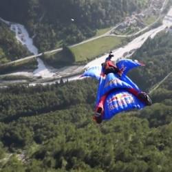 Пълна откачалка – екстремно свободно падане с Alexander Polli