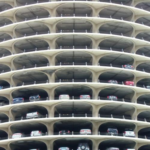 Да паркираш с удоволствие – най-интересните паркинги в света
