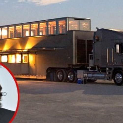 Най-луксозното ремарке – мобилният дом на Аштън Къчър