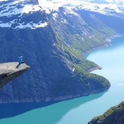 Най-опасното място за снимки в Норвегия – Trolltunga