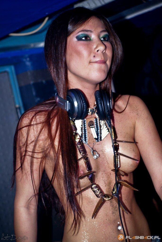 голи DJ