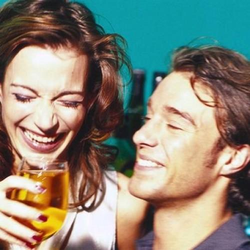 Разликата във възгледите относно алкохола разделя двойките?