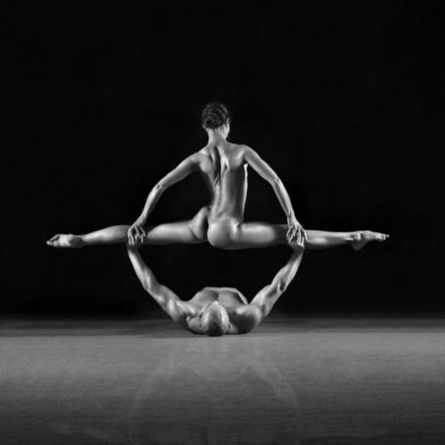 Еротична акробатика – изкуството на Руслан Максимов