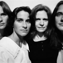 4 сестри се снимат всяка година в продължение на 35 години