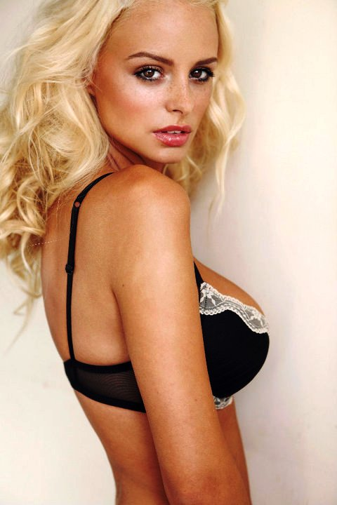 Rhian-Sugden-Diva-In-Photoshoot
