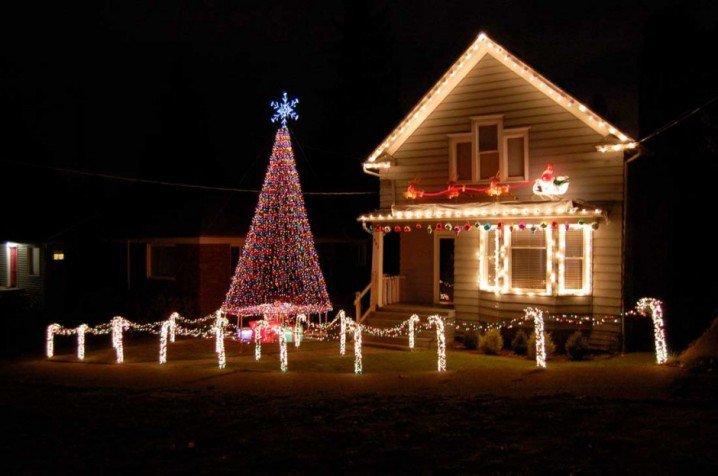 unique-outdoor-christmas-lights-house-ideas-940x624-718x476