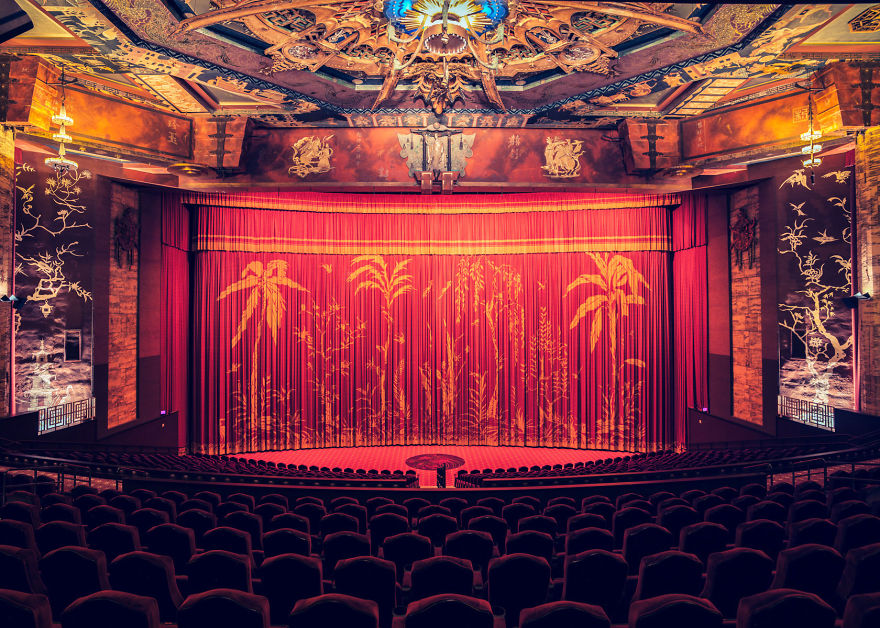 cinemas-interior-graumans-chinese-theatre__880