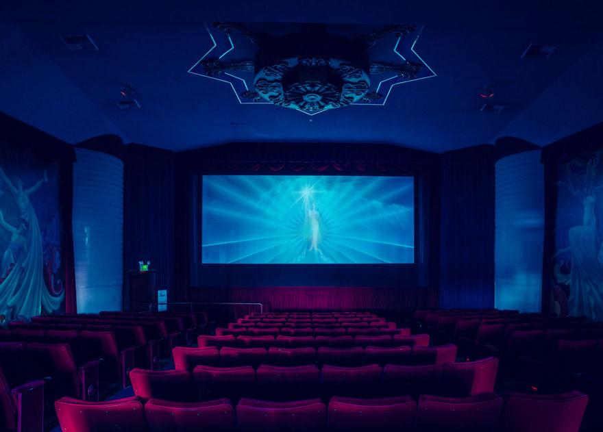 franck-bohbot-cinemas-08__880
